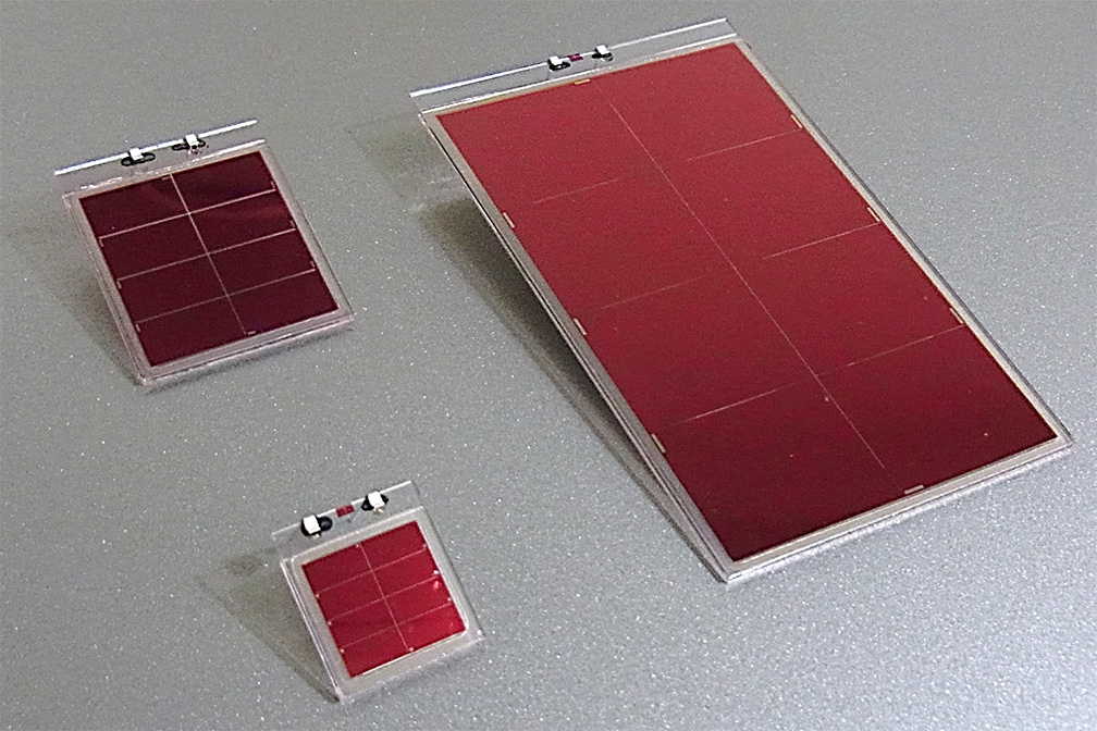 Complete Solid-State Dye-Sensitized Solar Cell | Global | Ricoh