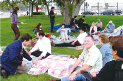 image:U.S.: Bringing own lunch to work to avoid using a car during the lunch break